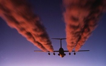 Without action, airplanes will emit 43 gigatonnes of greenhouse gas pollution by 2050. (USAF/Wikimedia Commons)