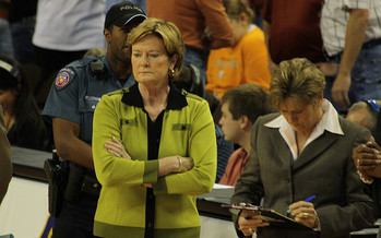 Researchers say detecting Alzheimer's Disease early could come down to testing how well someone smells. Recently, Pat Summitt, pictured here in green, succumbed to the illness. (aaronisnotcool/flickr.com)