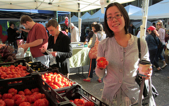 Double Up Food Bucks is matching SNAP benefits at more than 50 participating farmers' markets in Oregon. (Mack Male/Flickr)