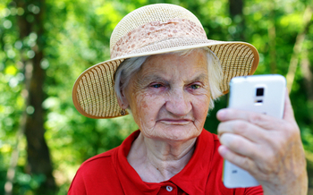 AARP Utah has scheduled a series of TEK Workshops for those who may need some help mastering their smartphone. (ocskaymark/iStockphoto)