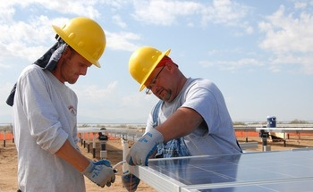 Report: Solar- and wind-related jobs could absorb coal-industry layoffs. (Pixabay)