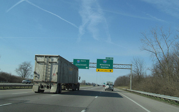 Semitrucks traveling across Ohio will soon have to include improved carbon-emissions technology. (Doug Kerr/flickr.com)
