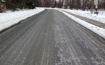 Waste water from fracking contains so much salt that it is sometimes spread on roads as a deicer. (Z22/Wikimedia Commons)