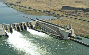 The Lower Monumental Dam, above, is one of four dams that groups want removed in order to improve fish habitats on the Snake River. (Bonneville Power Admin./Flickr)