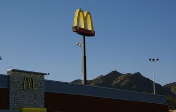 Economists challenge job-loss predictions in raising Colorado's minimum wage. (Pixabay)