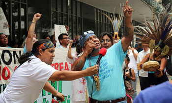 Native Americans and environmental groups protest at the Houston headquarters of Energy Transfer Partners, the contractor building Dakota Access and other pipeline projects. (Grassroots Global Justice Alliance)