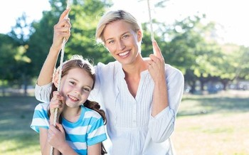 A new report confirms kids need a strong and consistent relationship with a reliable adult. (Wavebreak media/iStockphoto)