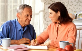 Asking questions and suggesting alternatives helps older relatives maintain independence. (freestockphotos.biz)