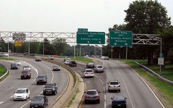 More than 80 percent of Americans rely on motor vehicles to get to work. (Jim.henderson/Wikimedia Commons)