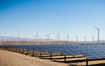 Arizona Latinos overwhelmingly support clean energy, according to a new poll. (Adamkaz/iStockphoto)