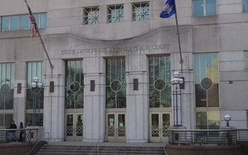 A new report says Connecticut residents' lack of access to civil legal assistance ends up costing taxpayers millions of dollars. (Joe Mabel/Wikimedia Commons)