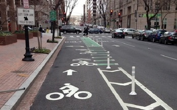 Street design plays a big role in pedestrian safety, according to a new report. (fhwa.gov)