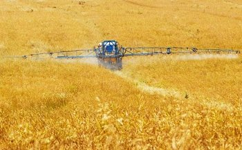 Three proposed mega-mergers would create companies that would control nearly 70 percent of the world's pesticide market. (Pixabay)