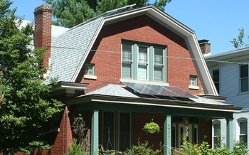 Solar power advocates say a legislative proposal would stifle solar in the Bluegrass State, killing jobs and costing those who have installed rooftop systems. (Sarah Lynn Cunningham)