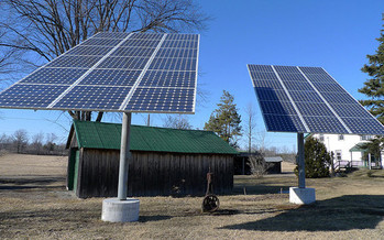 Some North Carolina farmers are discovering that solar actually can help supplement needed income to keep their farms in operation. (Christine/flickr.com)