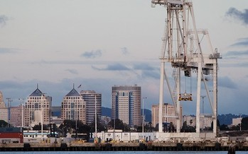 Studies show diesel emissions are 90 times higher near the Port of Oakland in West Oakland than the state average. (Chris Jordan-Block/Earthjustice)