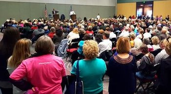 A large crowd listens as Sen. Dean Heller and Rep. Mark Amodei, both R-Nev., respond to questions in a lively town-hall meeting Monday in Reno. (Chip Evans)