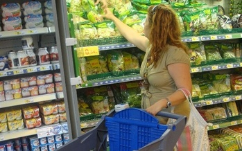 More than 174,000 Nebraskans rely on SNAP benefits to feed their families. (polycart/Flickr)