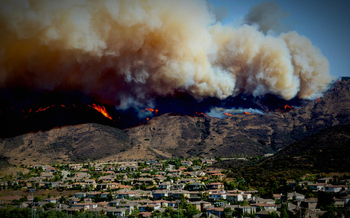 Drought and warmer temperatures have been linked to an increase in the number and size of wildfires across western states. (Getty Images)