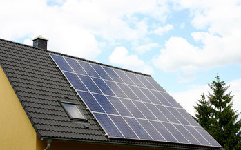 North Carolina's state Assembly is considering a bill that would limit net metering for residential and commercial property owners in the state. (Acid Pix)