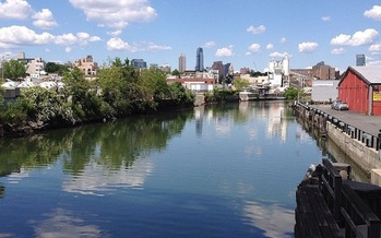 The EPA's Superfund could be cut, leaving sites in New York still awaiting cleanup. (Peak Player/Wikimedia Commons)