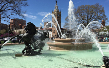 J.C. Nichols Memorial Fountain was dedicated in 1960 and underwent a major renovation in 2014 with monies from the Miller Nichols Charitable Foundation. (Kansas City Parks & Recreation Dept.)
