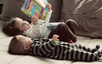 Researchers say it's never too early to teach children that reading is fun. (Thomas life/Flickr)