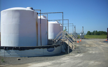 The rules require oil and gas companies to report and repair leaks at new facilities. (Gerry Dincher/Flickr)