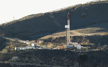 The Environmental Protection Agency suspended rules that limit pollution from new oil and gas facilities. (Scott L/Wikimedia Commons)