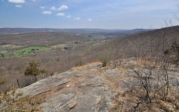 The Appalachian National Scenic Trail stretches 2,180 miles from Maine to Georgia. (Juliancolton/Wikimedia Commons)
