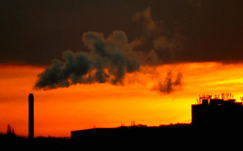 Reducing ozone will require new sources to use the best emissions-control technology. (Ozzy Delaney/Flickr)