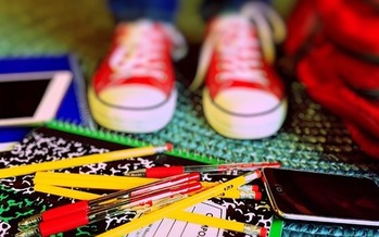 According to the National Retail Federation, the average household spends more than $660 on back-to-school shopping. (Pixabay)