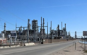 The ZIP code for neighborhoods surrounding the Suncor Refinery in Commerce City, 80216, was recently named the nation's most polluted. (Jeffrey Beall/Wikimedia Commons)