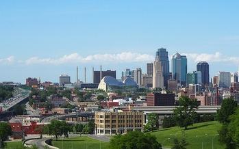 Anthropologist Karen Stephenson says soft power or trust yields innovation in metropolitan areas such as Kansas City. (Jay Castor/Pixabay)
