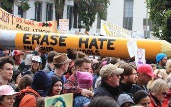 Grupos de la Marcha de Mujeres de Berkeley se unir�n este s�bado en un evento para oponerse a las manifestaciones de la derecha. (Berkeley Teacher's Union)