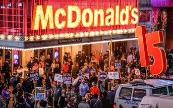 A rally outside a McDonald's in Chicago is one of many to be held Monday around the state. (fightfor15.org)