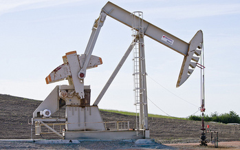 Illegal dumping of radioactive waste from oil wells has been rampant in North Dakota. (Tim Evanson/Flickr)