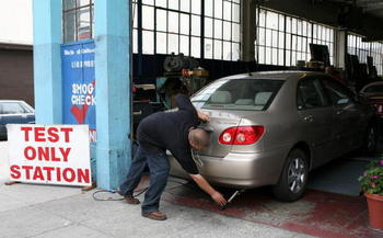 Statistics show tailpipe pollution causes 53,000 early deaths a year in the United States. (Getty Images)