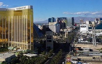 First responders and festival employees hurt in the mass shooting have a strict deadline of one week to file notice of a claim in Nevada. (Mariordo/Wikimedia Commons)
