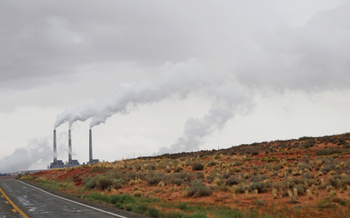 Coal-fired power plants like this one near Page, Ariz., are blamed for about a third of the nation's greenhouse-gas emissions. (ES3N/iStockphotos)