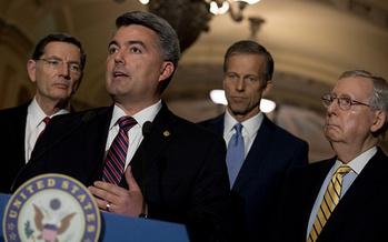El Senador Cory Gardner ha co-patrocinado la legislaci�n que restaurar�a los fondos al Programa de Seguridad de la Salud de los Ni�os, que expir� el s�bado pasado. (Getty Images)