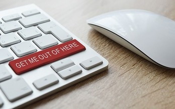 In phishing scams, a person pretends to be from a reputable institution in an email in order to steal personal information. (aitoff/Pixabay)