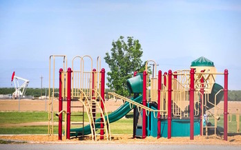 Environmental watchdogs say about 32,000 New Mexico children attend schools and daycare centers within a half-mile of oil and gas production facilities. (fracktracker.org)