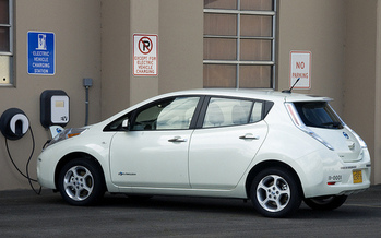 The Oregon Legislature this year passed a bill that will offer rebates up to $2,500 to electric-vehicle purchasers. (Oregon Department of Transportation/Flickr)