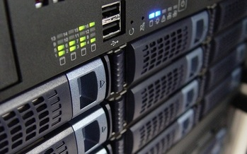Internet service providers such as Comcast and Verizon use servers like these to convey bits of data from content providers to consumers. (Edgar Oliver/Pixabay)