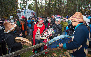 Northwest tribes oppose the Trans Mountain Pipeline expansion, which could increase oil tanker traffic in the Strait of Juan de Fuca sevenfold. (Mark Klotz/Flickr)