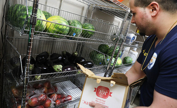 Families who rely on school meal programs lean on food pantries when kids are out of school for the holidays. (Getty Images)