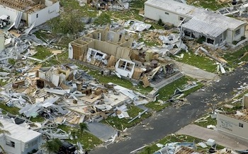 Extreme weather has caused an estimated half-trillion dollars in damage in the U.S. in 2017. (WikiImages/Pixabay)