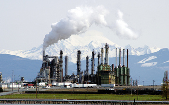 Oregon has set a goal of reducing carbon emissions 80 percent below 1990 levels by the year 2050. (RVwithTito.com/Flickr)