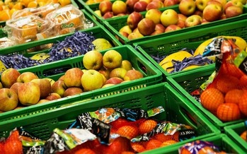 Studies show that SNAP benefits help families purchase healthier diets. (nadinheli22/Pixabay)